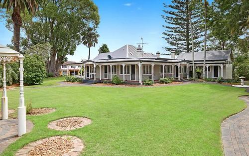 4 Roslyn Garden, Green Point NSW