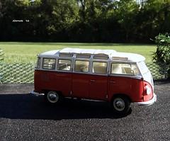 1962 Volkswagen Microbus (JCarnutz) Tags: 124scale diecast franklinmint 1962 volkswagen microbus