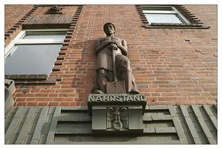 Figuren-Ensemble, Stabsgebäude Gneisenau-Kaserne Minden