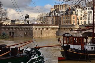 Paris / Ile de Cité / Flood of the Seine /