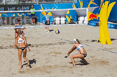 Match 57: Round of 16: USA vs. Russia (cmfgu) Tags: craigfildesfineartamericacom fédérationinternationaledevolleyball internationalfederationofvolleyball fivb swatchfivbbeachvolleyballmajorseries worldtour fortlauderdale ftlauderdale browardcounty florida fl usa unitedstatesofamerica beach volleyball tournament professional sun sand tan athlete athletics ball net court set match game sports outdoors ocean palmtrees women woman bikini rus russia россия aprilross silvermedalist bronzemedalist ekaterinabirlova olympian nadezdamakroguzova
