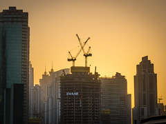 High Cranes (ristoranta) Tags: dubai canonpowershotsx60hs 2017 auringonlasku sunset burjkhalifa crane high