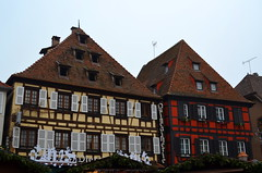 Even Hardware Stores Are Beautiful [Obernai - 7 December 2017] (Doc. Ing.) Tags: halftimberedhouse wood halftimbered 2017 france alsace obernai town christmas grandest basrhin sélestaterstein architecture building upper rhine