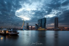 Erasmusburg & Nieuwe Maas, Rotterdam (www.fromentinjulien.com) Tags: fromus75 fromus fromentinjulien fromentin flickr view exposure shot hdr dri manual blending digital raw photography photo art photoshop lightroom photomatix french francais light traitements effets effects world europe capitale capital ville city town città cuida colocación monument history 2018 photographe photographer dslr eos canon 5d mark 5dmarkiii fullframe full frame ff 1635mm 1635 canonef1635mmf28lii canon1635mmf28 urban travel architecture cityscape twilight bluehour heurebleue poselongue longexposure sky skyporn erasme erasmus erasmusburg rotterdam netherland hollande paysbas