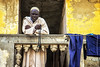 l'ora della preghiera (mat56.) Tags: ritratto ritratti portrait portraits uomo man preghiera prayer saintlouis senegal africa panni laundry antonio romei mat56 persone people candid