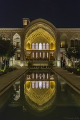 Riche demeure de Kashan (Iran) (françoisjoly85) Tags: iran pentaxart nuit night hotel riche demeure rich house reflet reflets reflection kashan