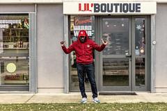 Entretien avec un MC (Fofinho Onimura) Tags: rap magasin vêtements entrevue musique portrait chapeau lil boutique