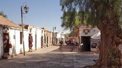 109 Häuser am  Hauptplatz - on the main square of; San Pedro (roving_spirits) Tags: chile atacama atacamawüste atacamadesert desiertodeatacama désertcôtier küstenwüste desiertocostero coastaldesert sanpedrodeatacama