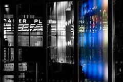 (Px4u by Team Cu29) Tags: berlin potsdamerplatz nacht spiegelung reflektion fenster glas licht lift fahrstuhl