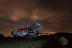 Soñando con su pasado - Dreaming about    its flights (juan_maynar) Tags: antonov an2 avión nocturna night nightlight nikon noche nubes nightphotography landscapes largaexposición largaexposicion
