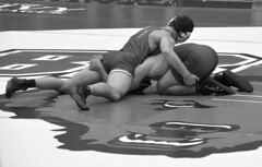 BRO-STA 165 2018-01-13 DSC_8431 bw (bix02138) Tags: brownuniversity brownbears stanforduniversity stanfordcardinal pizzitolasportscenter pizzitolasportscenterbrownuniversity providenceri january13 2018 wrestling sports intercollegiateathletics athletes jocks ©2018lewisbrianday 165pounds 165 jonviruet jaredhill