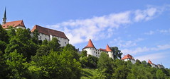 Burghausen castle (Elvis L.) Tags: burghausencastle bavaria bayern germany deutschland architecture fortress sky clouds tower grass tree hill burg chapel gothic