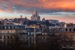 Place du Châtelet & Basilique du Sacré-Coeur de Montmartre, Paris (www.fromentinjulien.com) Tags: fromus75 fromus fromentinjulien fromentin flickr view exposure shot hdr dri manual blending digital raw photography photo art photoshop lightroom photomatix french francais light traitements effets effects world europe france paris parisien parisian capitale capital ville city town città cuida colocación monument history 2017 photographe photographer dslr eos canon 5d 5dmarkiv fullframe full frame ff 150600 150600mm tamron tamronlens 563 urban travel architecture cityscape poselongue longexposure sky sunset skyporn clouds placedechatelet chatelet pinksacrecoeur montmartre butte basilique