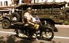 Ici on a plus l'habitude de la Harley (buch.daniele) Tags: moto 1935 militaire uniforme danielebuch drapeau français camion