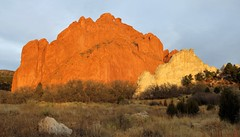 Kissing Camels (Patricia Henschen) Tags: nationalnaturallandmark city park citypark colorado coloradosprings gardenofthegods redrocks rock formations mountain mountains frontrange rampartrange urban clouds winter kissingcamels centralgarden morning light