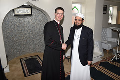 The Rt Rev Philip North, Bishop of Burnley, is welcomed by Imam Fazal Hassan, Muslim Chaplain for Royal Blackburn Hospital, as they tour a number of mosques together (blackburndiocese) Tags: archbishopofyork bishop bishopofblackburn julianhenderson philipnorth geoffpearson faith mission missionevent bible christ johnsentamu whalley kirkham blackburn blackpool garstang tunstall lancasterandmorecambe cathedral whalleyabbey poulton chorley leyland preston accrington burnley pendle vision2026 evangelism evangelist evangelising lectern pulpit pew procession crossroads crossroadsmission lancashirediocese newcastlediocese durhamdiocese yorkdiocese leedsdiocese sheffielddiocese southwellandnottsdiocese carlislediocese manchesterdiocese liverpooldiocese sodorandmandiocese chesterdiocese churchofenglandinlancashire churchofengland witness prayer jesus jesuschrist god holyspirit reformation crossroads2016 crossroadslancs messychurch messyeucharist eucharist eucharisticfestival cathedralcelebration