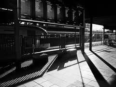 (2c..) Tags: heuston ©2c dublin ireland spring 2c trains railways station rothem 22000 railcar mk4 irish rail iarnrod eireann afternoon iphone se