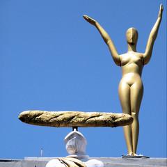 Anglų lietuvių žodynas. Žodis nude statue reiškia nuogas statula lietuviškai.