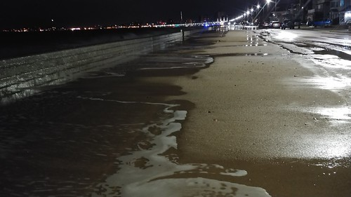 """Revere Beach - Photo By Gary Zappelli • <a style=""""font-size:0.8em;"""" href=""""http://www.flickr.com/photos/97803833@N04/25739945087/"""" target=""""_blank"""">View on Flickr</a>"""