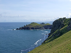 Rumps Point from south-west (Philip_Goddard) Tags: views scenery landscapes coastpath coast southwestcoastpath southwestway northcoast europe unitedkingdom britain british britishisles greatbritain uk england southwestengland cornwall polzeath rumpspoint therumps cliffs