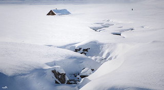 The house, the riverbed and 2 meters of snow
