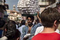 Overload transport... (Renato Pizzutti) Tags: india mumbai trasporto gente gomitoli mercato nikond750 renatopizzutti
