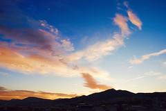 Amanece ....VP (valorphoto.1) Tags: selecciónvp paisaje natural nubes sunrrise amanecer color cielo photodgv