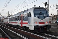 Strani invii a Milano Lambrate... (Luca_0502) Tags: e402 171 pilota z1a ic sun milano lambrate frecciabianca intercity
