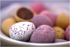 Macro Mondays - Alternative Speckled (Kev Gregory (General)) Tags: macromondays speckled kev gregory canon 7d macro mondays 100 100mm f28 usm ef challenge theme egg small eggs mini colour sweet tasty treat chocolate calories yellow pink mauve white spot spots tempting oval easter background depthoffield assortment confectionary sugar colourful colorful candy texture lots bowl pastel coated closeup object bright still