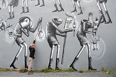Parade (Frans Persoon) Tags: reykjavik iceland mural grafiiti grafitti ligts boy walking black white city art grafiti