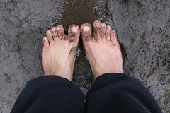 IMG_1240 (bfe2012) Tags: barefoot barefeet barefooting barefooted barefooter barefoothiking barefootlifestyle feet dirtyfeet toughsoles