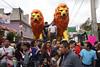 (kafkiano) Tags: street streetphoto streetgallery señor animales león calle ciudad city ciudaddeméxico calledeméxico cdmx colores cybershot sonya6000 iztapalapa irving irvingcabreratorres fotodecalle fotodocumental fotoperiodismo fotografía fotografíamexicana familia tradiciones tradicionesenméxico culturamexicana cultura