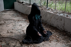 IMG_2042 (m.acqualeni) Tags: manu manuel ginette osef le dieu g shaman cosplay dark urbex maison abandonné house broken fille femme capuche gothique gothic goth