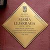 Placa Conmemorativa a María Lejárraga (Madrid) (Juan Alcor) Tags: madrid placa conmemorativa rombo amarillo planmemoriademadrid generacióndel27 feminista escritora diputada maríalejárraga
