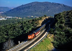 Avlon, Greece (Jan 1st, 1998) (rolfstumpf) Tags: greece avlon ose organismossidirodromonellados trains mlw mx627 a452 602 railway railroad passengertrain mountains