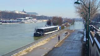 72 Paris en Février 2018 - Pont de l'Alma neige et crue à la fois