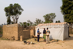 WEB_ACTED_Bangui_Reconstruction_27.01.2018-8 (Gwenn Dubourthoumieu) Tags: acted bangui car centrafrique centralafricanrepublic house idp rca républiquecentrafricaine déplacés maison reconstruction