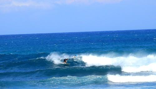 Surfing Ho'okipa Beach
