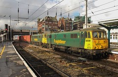 Freightliner Class 86s Nos 86639 & 86608 at Carlisle - 17th February 2018 (allan5819 (Allan McKever)) Tags: electric loco locomotive intermodal freight train containers 4m83 class86 86639 86608 doubleheader travel transport carlisle uk england cumbria northwest station citadel wcml westcoastmainline