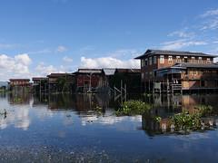 P1210764.jpg (vickydoc) Tags: inlay birmanie lacinlay lac