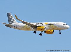 A320-200_VuelingAirlines_EC-MNZ-001 (Ragnarok31) Tags: airbus a320 a320wl a320200 a320200wl vueling airlines ecmnz