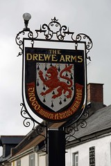 Drewe Arms, Drewsteignton (Dayoff171) Tags: devon unitedkingdom england europe pubsigns signs gbg gbg2018 greatbritain