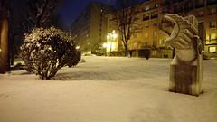 The snow and the city (Fernando F. Fernandez) Tags: españa asturias principadodeasturias europa nieve noche night