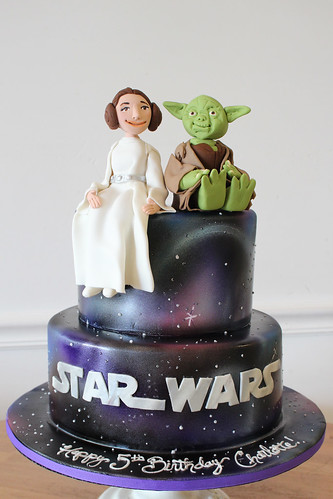 Star Wars Leia Yoda Galaxy Cake