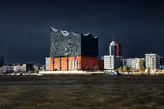 Thunderstorm reaching the Elbphilarmony (laird.lothar) Tags: weather thunderstorm hamburg germany architecture philarmony water harbour building travel