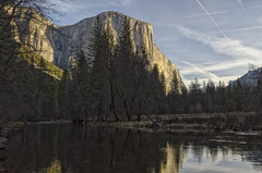El Capitan and The Merced River (rschnaible) Tags: yosemitenationalpark yosemiten 約塞米蒂國家公園(yosemite 约塞米蒂国家公园(yosemite sierranevada mountains rugged cliffs merced river outdoor west western us usa california water landscape el capitan