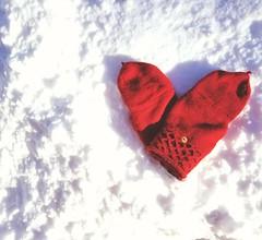 Love Keeps U Warm (bjg_snaps) Tags: valentine valentines love mittens red snow valentinesday heart winter