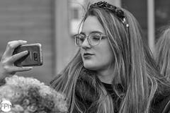 Selfie! (Frankhuizen Photography) Tags: selfie groeëte rogstaekersoptocht weert netherlands 2018 rogstaekers optocht woman vrouw smile glimlach vrolijk nederland limburg street straat fotografie photography portret portrait vastenavond vastelaovond carnaval carnival girl meisje candid ncg