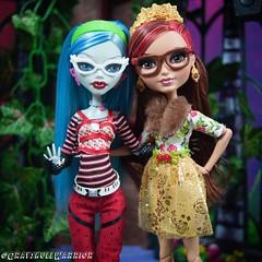 #everafterhigh #monsterhigh #ghouliayelps #rosabellabeauty (GrayskullWarriorToys) Tags: everafterhigh monsterhigh ghouliayelps rosabellabeauty