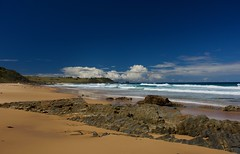 Clouds forming (jack eastlake) Tags: wildbeachaus surfing valley bega tathra bermagui nsw coast south far murrah park national np rocks mimosa seascape beaches beach bunga lee polariser cpl wild